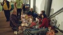 Başkan Akgün, Dışarıda Bekleyen Vatandaşları Yalnız Bırakmadı