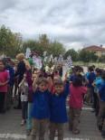 Manyas'ta Öğrencilere Süt İkramı