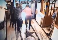 Otel Lobisindeki Deprem Paniği Kameraya Yansıdı