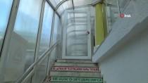 Silivri'de Bir Cami Riskli Bulunarak Mühürlendi