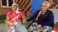 Depremde Evinde Çatlaklar Oluşan Engelli Çift Sokakta Kaldı