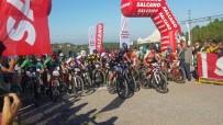 TÜRKIYE BISIKLET FEDERASYONU - 10 Ülkeden 206 Bisikletçi Yalova'da Buluştu