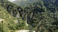 Aytaş Asmasu Şelalesi Turistlerin İlgisini Çekiyor