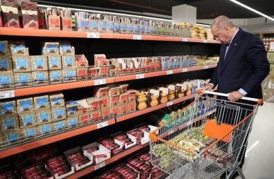 Cumhurbaşkanı Erdoğan, Tarım Kredi Kooperatifi tarafından açılan satış ofisinden alışveriş yaptı