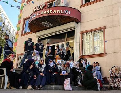 HDP PKK'nın kayıt bürosu gibi çalışmış