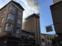 Manisa'da Korkutan Yangın