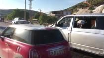 YUSUF KAPLAN - Nişan Yolunda Trafik Kazası Açıklaması 1 Ölü, 6 Yaralı