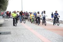 BOSTANLı - Okula Bisikletle Gittiler