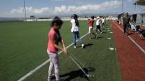 TÜRKIYE GOLF FEDERASYONU - Golf Şampiyonasına Futbol Sahasında Hazırlanıyor