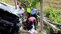Hafif Ticari Araç Yol Kenarında Dinlenen Aileye Çarptı Açıklaması 1 Ölü, 6 Yaralı