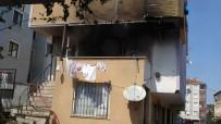 Tuzla'da Binanın Çatısında Çıkan Yangın Eve Sıçradı