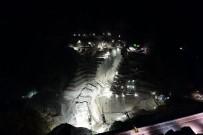 Yusufeli Barajı İnşaatının Etkileyici Gece Görünümü