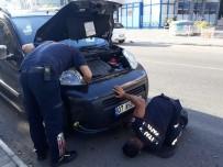 Alanya'da Aracın Motor Kısmına Sıkışan Yavru Kedi Kurtarıldı