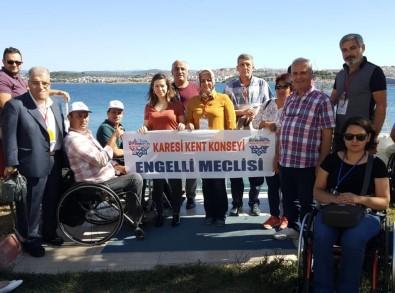 Dünya Rekortmeninden Bakan Selçuk'a Deniz Dibinde Teşekkür Pankartı