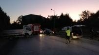 Gebze'de Kamyonet Otomobille Kafa Kafaya Çarpıştı Açıklaması 2 Yaralı
