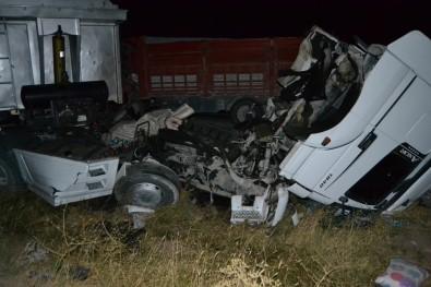 Konya'da Kamyonla Tır Çarpıştı Açıklaması 1 Ölü, 1 Yaralı