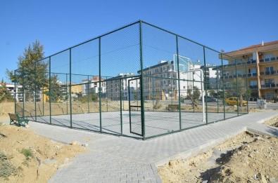 Kuşadası Belediyesi Efsane Futbolcu M.Yüksel Alkışlı'nın Adını Parka Veriyor
