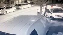 Taksici, Kendisini Bıçaklayan Gasp Etmeye Çalışan Müşterisini Böyle Kovaladı