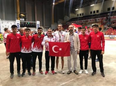 Toroslar Belediyesi Bocce Takımı Sporcusu Yakın'dan Dünya Üçüncülüğü