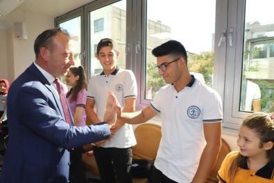 Turgutlu'da Atık Pil Toplayan Öğrenciler Ödüllendirildi