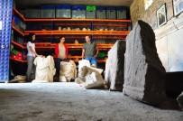 HALK MECLİSİ - Manisa'da 2 Bin 200 Yıllık Tanrıça Heykeli Sergileneceği Günü Bekliyor