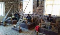 Siirt'te Yöre Halkı Hem Meslek Öğreniyor Hem De Para Kazanıyor