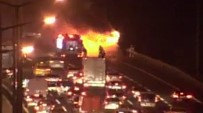 ÇAVUŞBAŞı - Ümraniye'de Özel Halk Otobüsü Alev Alev Yandı