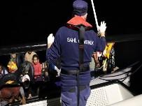 Ayvalık Açıklarında 47 Düzensiz Göçmen Yakalandı