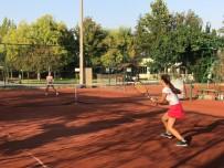 Geleneksel Kurtuluş Kupası Tenis Şenliği Başladı