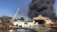 YAĞ FABRİKASI - Hayfa Limanı Yakınlarında Korkutan Yangın