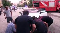 Kahramanmaraş'ta Kamyonet İle Otomobil Çarpıştı Açıklaması 2 Yaralı