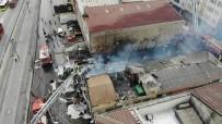 Sultangazi'de Bulunan Hurdalık Alan Alev Alev Yandı