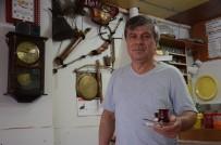 Bir Kuruş Ödemeden Çay Ocağını Adeta Müzeye Çevirdi