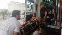 NECATI ÇELIK - İki Otomobil Kavşakta Çarpıştı Açıklaması 3 Yaralı