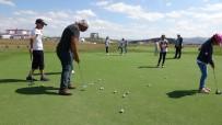 SİZCE - Üniversite Yönetimi Sahayı Açmayınca Golfçüler Yine Ortada Kaldı
