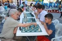'Sokakta Satranç Var' Turnuvası Düzenlendi