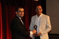 KEMAL SUNAL - TGRT Haber Ve Türkiye Gazetesine 'Altın Kayısı' Ödülü