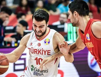 Türkiye 79-74 Karadağ