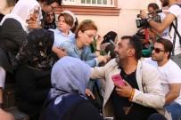 AHMET YENİLMEZ - Ahmet Yenilmez'den HDP Önünde Oturma Eylemi Yapan Ailelere Destek Ziyareti