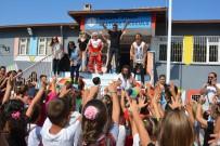 Ayvalık'ta Miniklere 'Okuluna Hoş Geldin' Şenliği