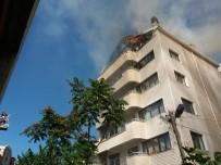 Çatı Katında Çıkan Yangın Mahalleliyi Korkuttu