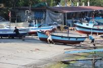 (Özel) Balıkçılar Umduklarını Bulamayınca Tekneler Limanda Bağlı Kaldı