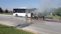Sefer Halindeki Halk Otobüsü Yandı