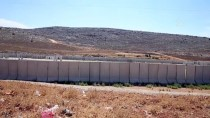 Sınır Birliklerine Konteyner Ve Beton Blok Sevkiyatı