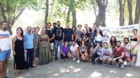 Tiyatrocular Burhaniye'de Buluştu