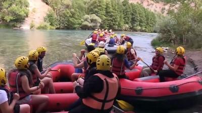 Tur Firmaları Kafilelerle Tunceli'ye Yolcu Taşıyor