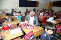 Başkan Güder, Öğrencileri İlk Eğitim Gününde Yalnız Bırakmadı