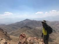 Cilo Trekking Kulübünde Kızıl Kayalara Yürüyüş Ve Tırmanış