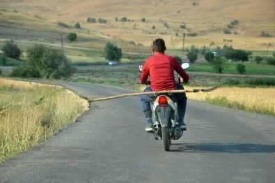 Dar Yolda 'Şene' İle Tehlikeli Yolculuk