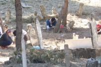Kale-İ Tavas'da 3 Bin Mezar Taşının Osmanlı Dönemine Ait Olduğu Belirlendi
